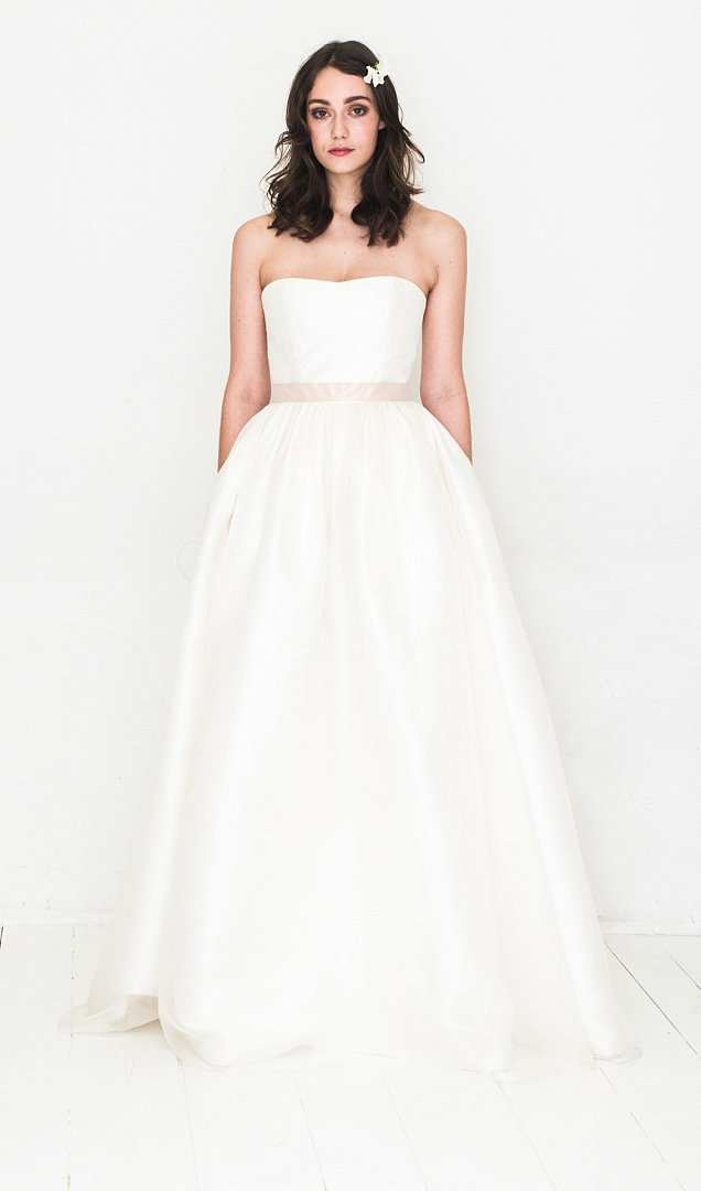 hochzeitskleid brautkleid white violet