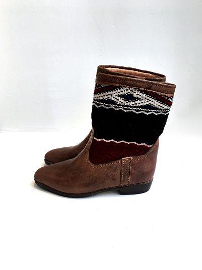kilim boots 42