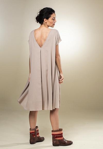 nos_69 weites kleid mit kellerfalten