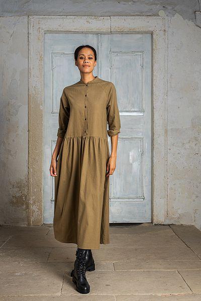 web-elfenkleid-aw21-07-langes-hemdblusenkleid-olive-4252-9
